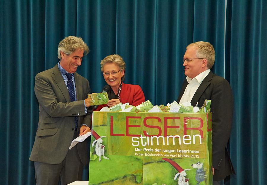 LESERstimmen-Preisverleihung: Gerald Leitner, Claudia Schmied und Markus Feigl_Copyright BVÖ/Peter Kubelka